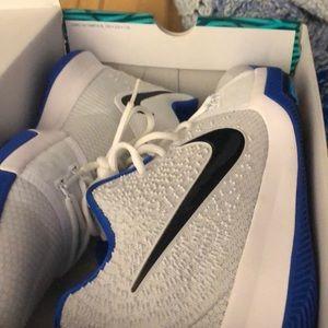 Nike Shoes - Nike Kyrie 3 duke size 10.5